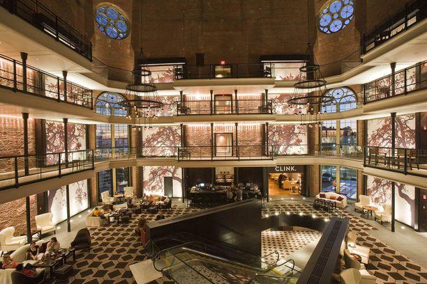 Bostonin Liberty Hotelin aulaa ei ole remontoitu tunnistamattomaksi.