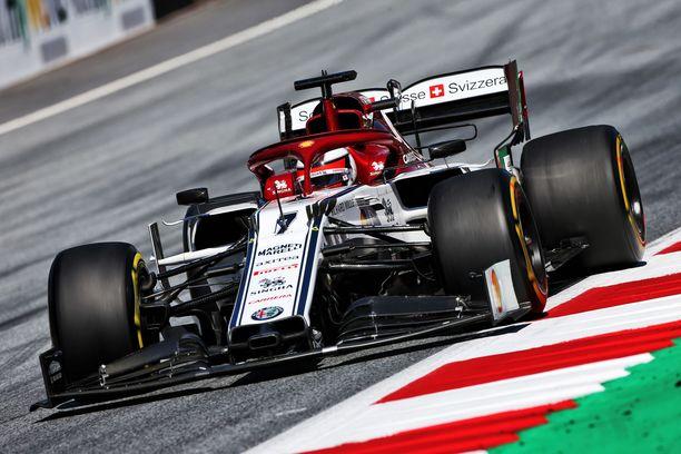 Kimi Räikkönen ajoi vahvan kakkosharjoituksen Spielbergin GP-radalla.