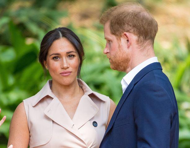 Herttuapari Meghan ja Harry ovat olleet valtaisassa julkisuuspaineessa sen jälkeen, kun he ilmoittivat Instagramissa, että haluavat vetäytyä roolistaan brittihovissa.