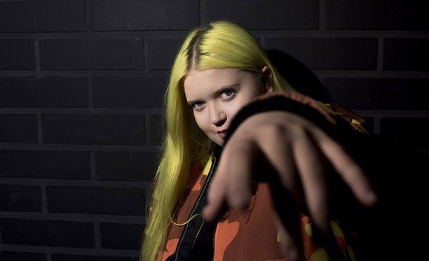 Alma on supersuosittu laulaja muun muassa Isossa-Britanniassa ja Saksassa.