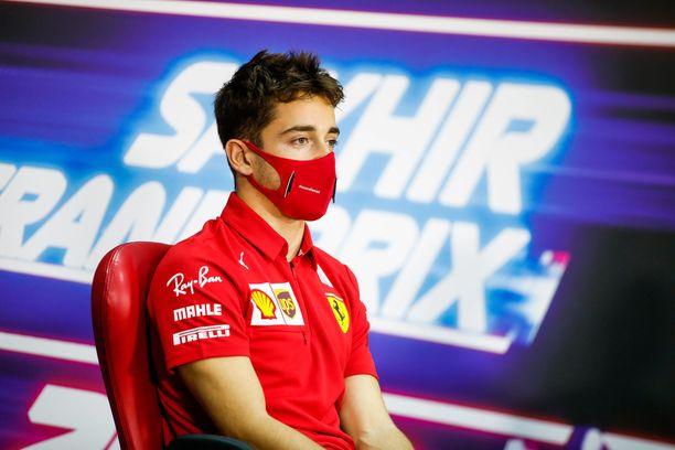 Charles Leclerc kertoo kuulleensa vasta varikolla, että Romain Grosjean on olosuhteisiin nähden kunnossa.