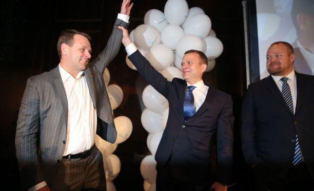 Helsingin pormestari Jan Vapaavuori, puheenjohtaja Petteri Orpo ja puoluesihteeri Janne Pesonen kuuluvat kokoomukseen sisäpiiriin.