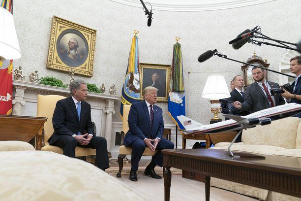 Niinistö ja Trump median edessä keskiviikkona.