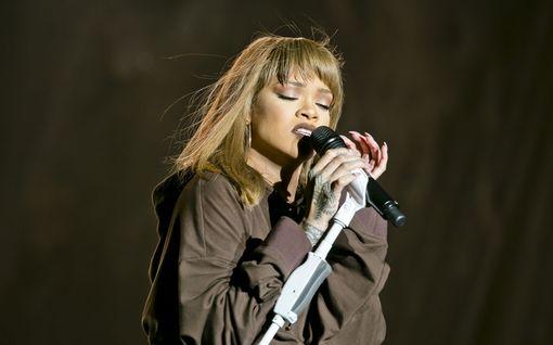 """Helsingissä järjestetään Rihannalle omistetut bileet - """"Jos on jotain hauskempaa kuin tanssia Rihannan biisien tahtiin niin on laulaa niitä"""""""