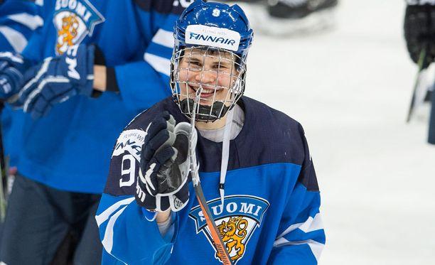 Jesse Puljujärvi ei pelännyt kielimuuria vaan antoi rohkeasti haastattelun ruotsalaisille.