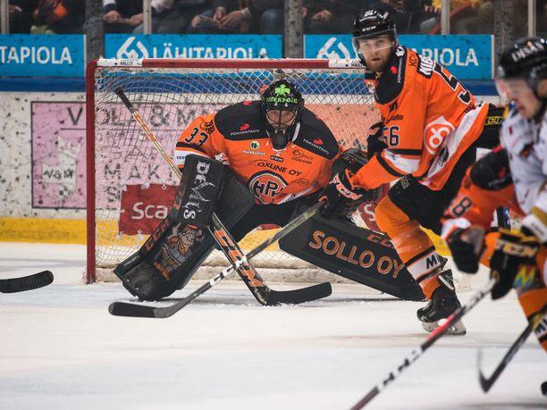 Markus Niemeläinen heitettiin kentälle ottelun ratkaisuhetkillä.
