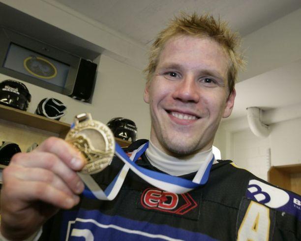 Ilkka Mikkola on voittanut kahdeksan Suomen mestaruutta, joista neljä Kärpissä.