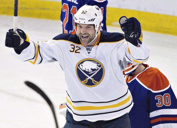 John Scott tuuletti harvoin maaleja. Hän on NHL:n viimeisiä niin kutsuttuja gooneja.