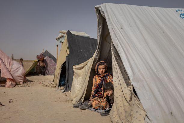 Elinolosuhteet ovat karut esimerkiksi konfliktialueella Afganistanissa.