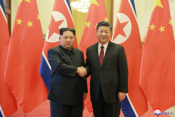 Kim Jong-un kävi myös maaliskuussa Kiinassa presidentti Xi Jinpingin vieraana.