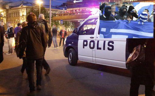 Helsingin Kaivopihalla hurja joukkotappelu yöllä - poliisi: paikalle tullut vartija käytti OC-kaasua