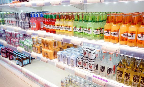 Tiukka alkoholilainsäädäntö sekä alkoholimonopoli nostivat Suomen listauksen kärkeen.