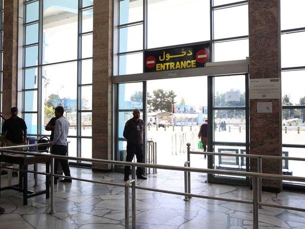 Näkymä Kabulin kansainväliseltä lentokentältä 15. syyskuuta 2021. Lentokenttä on tällä hetkellä Talibanin kontrollissa.