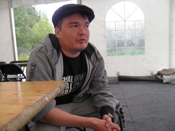 Näytelmän käsikirjoittaja Antti Heikkinen ehti jo miettiä kirjaakin Spedestä.