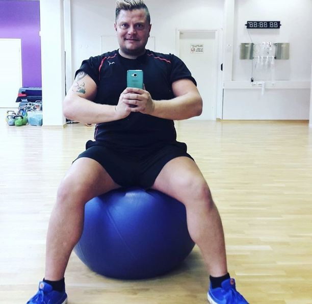 Jussi Noronen on ollut aina tarkka ulkonäöstään, mutta kun kiloja tuli jatkuvasti lisää, niitä alkoi olla mahdotonta peitellä.