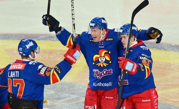 Oskari Manninen teki uransa ensimmäisen SM-liigamaalin.