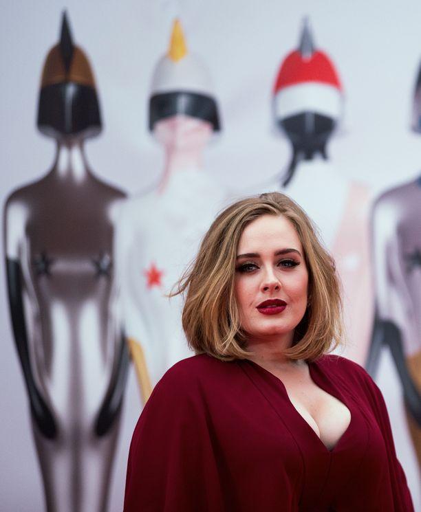 Adele vuoden 2016 Brit Awards -gaalassa.