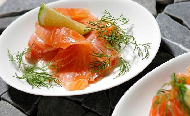 Raskaana olevat tietävät välttää graavikalaa, mutta se voi olla riski myös vanhuksille.
