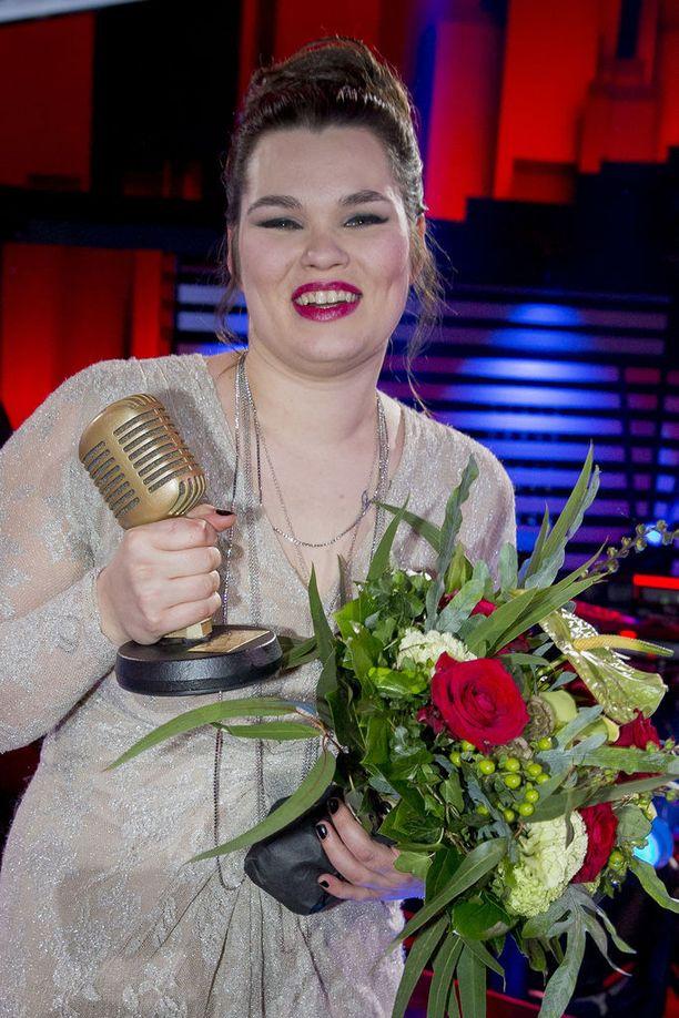 Saija Saarnisto äänestettiin voittoon vuosi sitten.