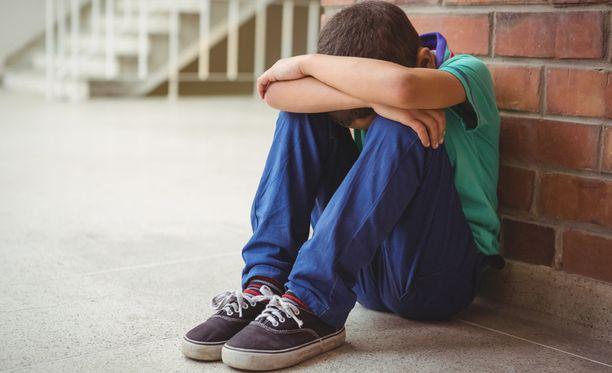 HS:n mukaan Vantaan lastensuojelussa monet lapset jäävät ilman riittävää tukea. Kuvituskuva.