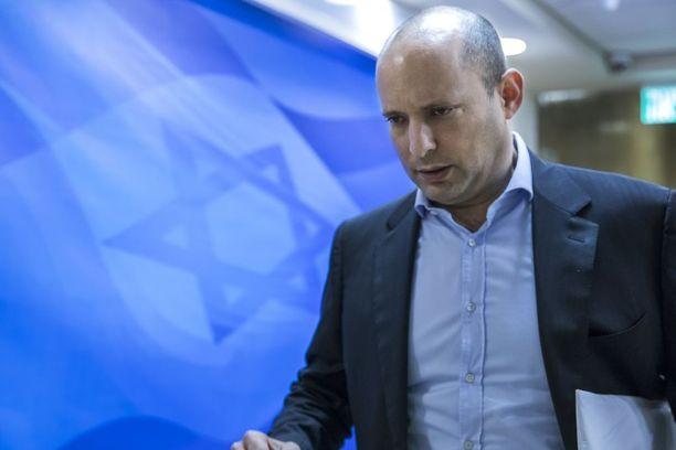 Israelin opetusministerin Naftali Bennettin vierailu peruttiin.