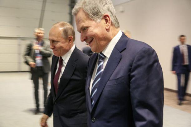 Venäjän presidentti Vladimir Putin tapasi tiistaina Suomen Sauli Niinistön huomattavasti ennen Ruotsin pääministeriä Stefan Löfveniä.