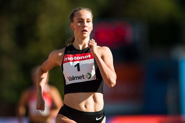 Viivi Lehikoinen juoksi Lahdessa 400 metriä aikaan 55,07.