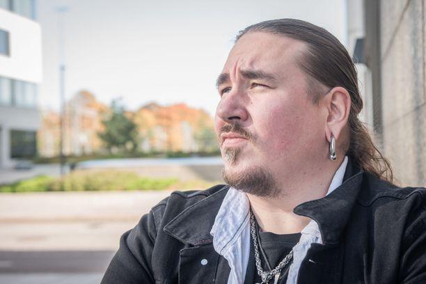 Antti Railio sai apuja jojoiluun Suurin pudottaja -ohjelmasta, jossa hänen valmentajanaan toimi kesän kuvauksissa Janni Hussi.