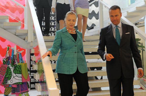 Kesäkuussa Mika Ihamuotila esitteli Marimekon toimintaa Yhdysvaltain ulkoministeri Hillary Clintonille. Marimekko on ennestään tuttu merkki niin Hillarylle kuin hänen tyttärelleen Chelsealle.