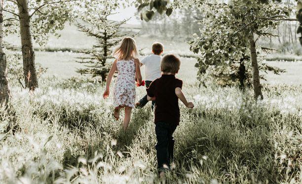Eräs lukija sai kolme lasta reilun kolmen vuoden aikavälillä. Väsymys aiheutti vakavia vaaratilanteita ja ristiriidat veivät avioliiton karille. (Kuvituskuva.)