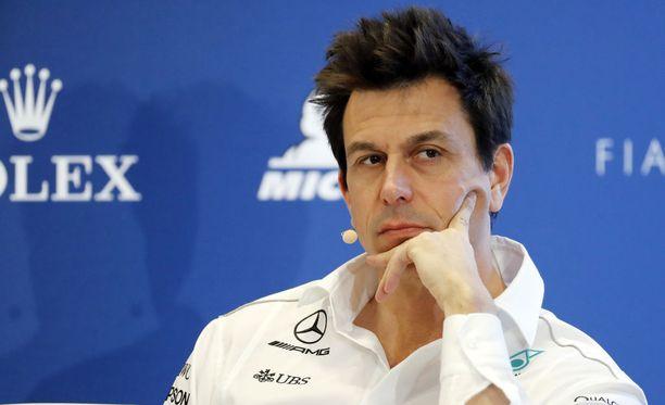 Mercedeksen tallipäällikkö Toto Wolffin mukaan Vettelin kunnianhimo maksaa takaisin, kuten jo Ranskanssa nähtiin.