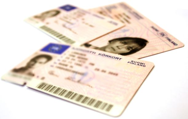 Ajokorttitiedot olivat hetken vapaata riistaa kaikille juorunnälkäisille.