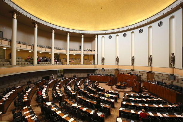 Kansanedustajat sanovat pian hyvästit avokätisille sopeutumiseläkkeille.