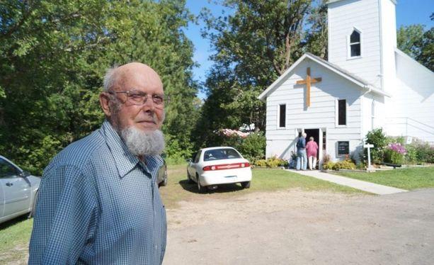 Olavi Juntusen isä Edvin lähti Suomussalmelta vuonna 1911, perusti kylän, rakensi kirkon ja jätti jälkeläisilleen ison henkisen Suomi-perinnön.