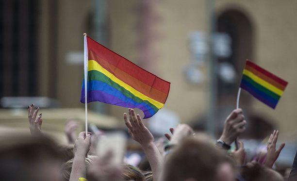 Tästä päivästä alkaen samaa sukupuolta olevat parit voivat mennä naimisiin Saksassa.