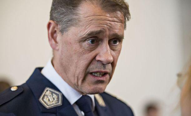 Seppo Kolehmainen pitää riskilähiöiden listaamista tahdittomana.