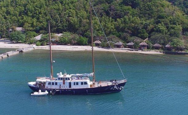 Pakoa tehtiin yli Arabianmeren Jaubertin omistamalla Nostromo-purjeveneellä.