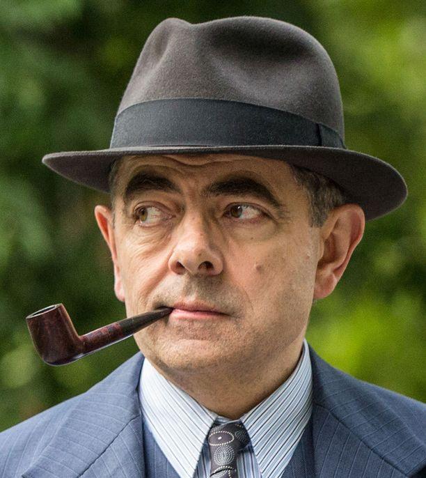 Rowan Atkinson esittää komisario Maigret'ta.