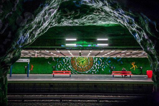 Suurin osa Tukholman metroasemista on koristettu taiteella.