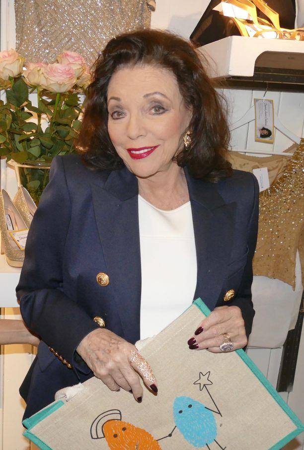 Joan Collins on naimisissa Percy Gibsonin kanssa.