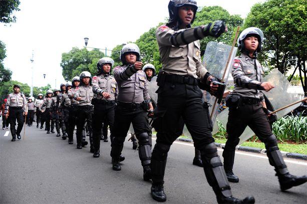 Indonesiassa on 400 000 poliisia, joista vain kolmisen prosenttia on naisia.