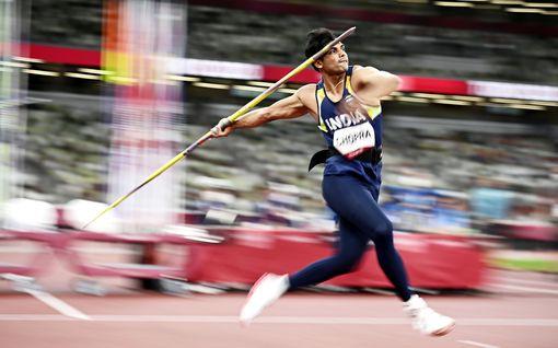 """Kilpailija vei olympiavoittajan keihään, kohu oli valmis – kultamies jyrähti: """"Olen erittäin pettynyt"""""""