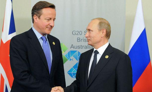 David Cameron ja Vladimir Putin tapasivat Brisbanessa.