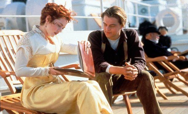 Kate Winslet ja Leonardo Di Caprio tähdittivät Titanic-elokuvaa. Kumpikin on myöhemmin voittanut Oscarin.