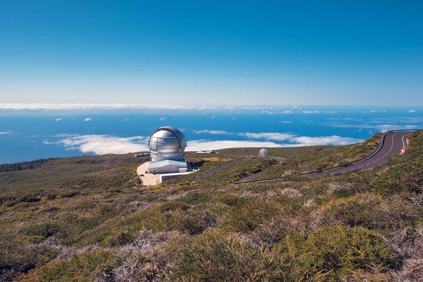 La Palma tunnetaan loistavana paikkana tähtien ihailuun. Yötaivasta voi tutkia observatoriossa.