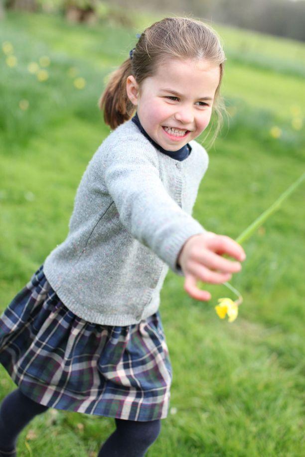 Prinsessa Charlotte täytti toukokuussa neljä. Tuoreen kuvan on ottanut äiti Catherine.