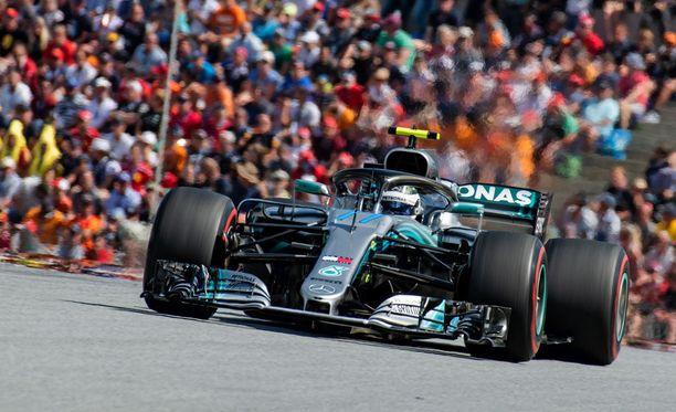 Valtteri Bottas hakee Silverstonessa hyvitystä heikosti menneelle Itävallan GP:lle.