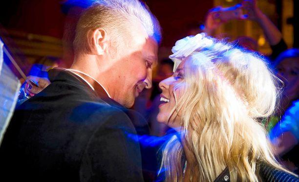 Janne Grönroos ja Krista Siegfrids euroviisuhuumassa 2013.