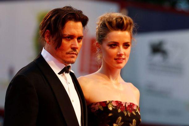 Johnny Depp ja Amber Heard olivat naimisissa vain kaksi vuotta. Avioero on ollut erittäin riitaisa.