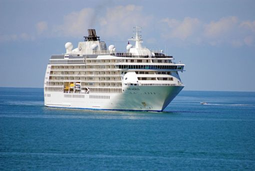 Suurimmalla osalla aluksen asukkaista on koti myös maissa.